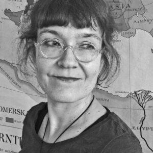Kuvassa Ateenan-instituutin uusi johtaja Petra Pakkanen